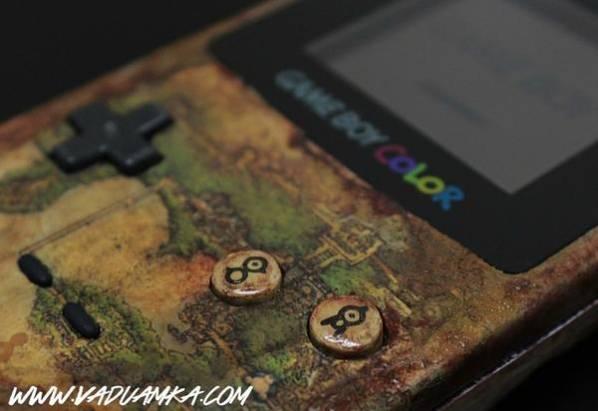 """藝術家Vadu Amka手工打造出""""未知圖騰""""版本的Gameboy"""