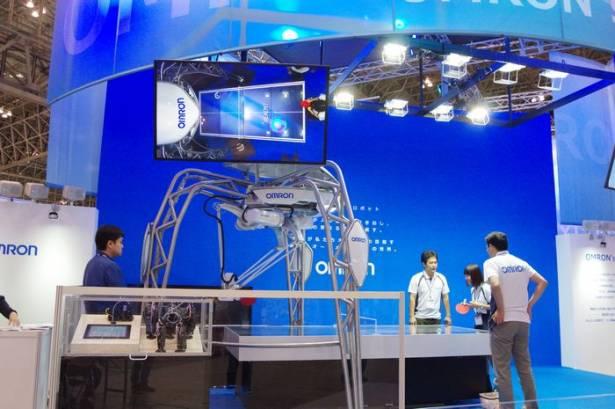 CEATEC Japan 2015 :想學乒乓球但是怕被笑? OMRON 展出可與初學者對打的乒乓球機器人