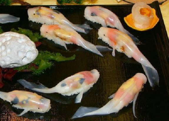 猛一看絕對會看錯的鯉魚型態壽司