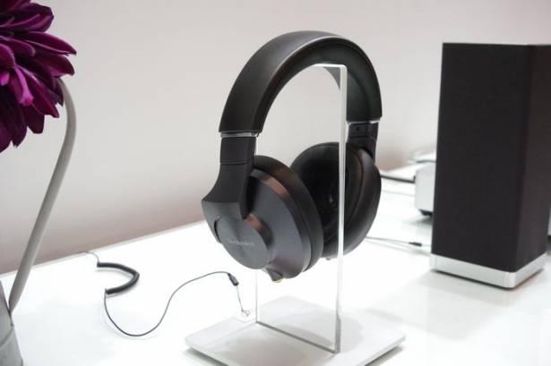 CEATEC Japan 2015 : Panasonic 旗下重生的 Technics 音響品牌,展出能呈現 100kHz 聲音的耳機與床頭音響組合
