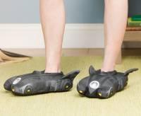 挖哩這樣也行…蝙蝠車拖鞋