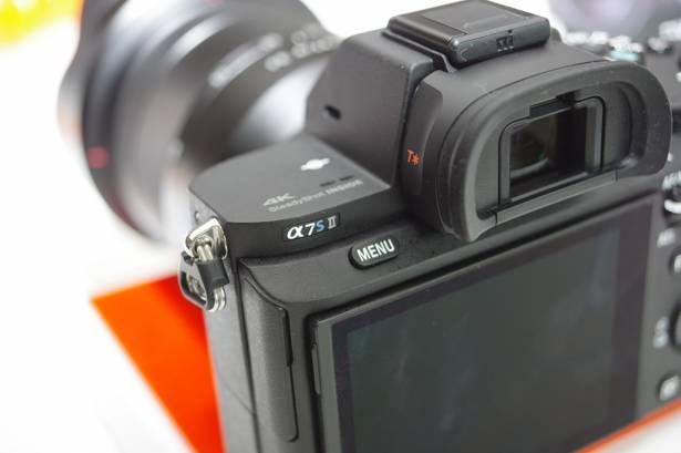 最強高 ISO 機再進化,搭載五軸防手震與支援更多專業錄影格式的 A7S II 登場