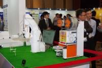 Denso 以台灣特色手搖茶盞是高精密機械手臂的一站式自動化方案