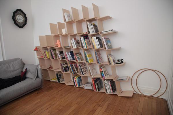 看起來很歪腰其實很堅固的書架