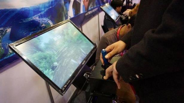 南韓最大遊戲展「G-STAR 2015」閉幕,會場中展出遊樂場用VR機台