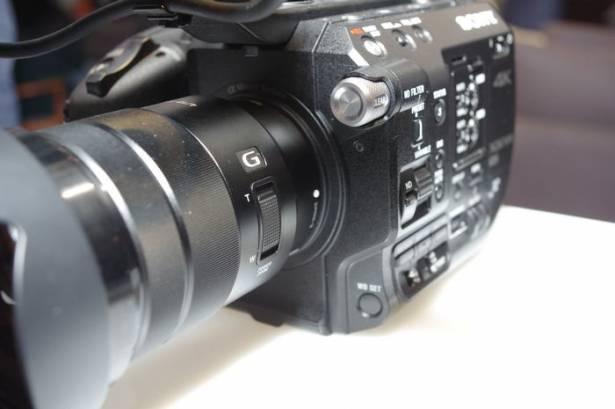主打不到一公斤的專業級 4K 數位電影機, Sony 宣布推出 PXW-FS5 可換鏡頭數位電影機