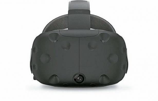 HTC Vive 新款開發套件曝光,控制器造型大改、頭戴顯示亦有更接近量產的外型