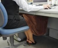 把辦公室電腦桌變成傳統暖桌
