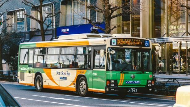 [面白日本] 就是要乘客舒適有感!像在雲上飄行般的乘車體驗,日本公車兼顧服務與安全!
