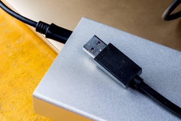 嫌蘋果原廠線太貴的人有福了!Amber 崴寶全系列 USB Type-C 線材讓你便宜(?)有好貨!