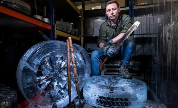 1:1冰雕汽車輪胎