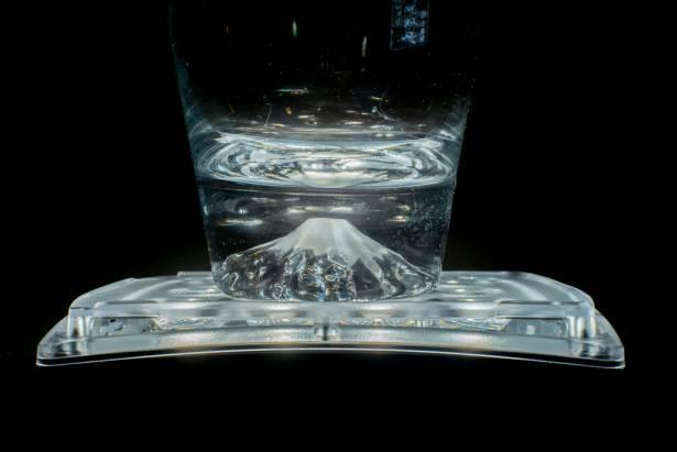 [攝影小教室] 業配文照片這樣拍(15)就是要用持續燈!讓你簡單輕鬆拍出超漂亮玻璃杯~