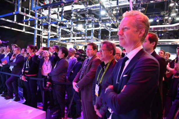 CES 2016 : Audi 自動駕駛平台微縮有成,並展示三馬達概念電動車 e-tron quattro concept