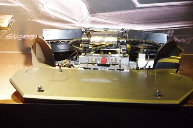 全球首款外接水冷筆電,華碩 ROG GX700 霸氣登場