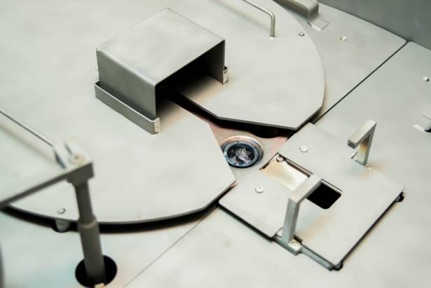 [攝影小教室] 意想不到的大量「純手工」!帶你走進台灣工廠,看鏡頭濾鏡製造到底有多麻煩