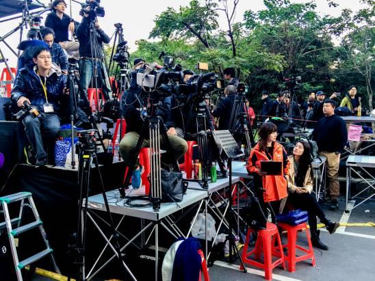 [攝影小教室] 四年一度向全世界發聲的總統當選國際記者會,背後可是充滿記者們的血淚啊!(上)