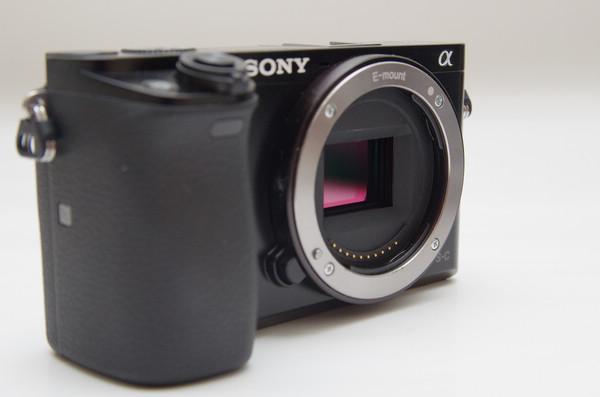外觀設計不會有驚喜,傳 Sony A6100 相機將與 A6000 設計沒兩樣
