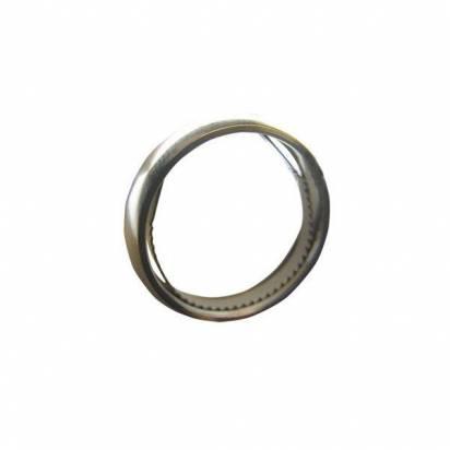 看到裡面藏著工具就浪漫不起來的戒指