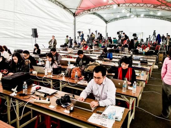 [攝影小教室] 四年一度向全世界發聲的總統當選國際記者會,背後可是充滿記者們的血淚啊!(下)