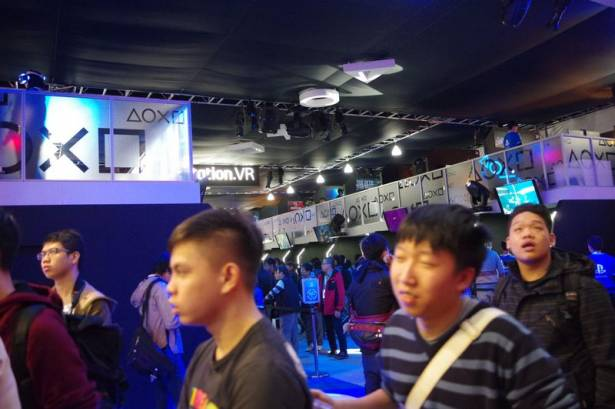 TpGS 2016 :感受沉浸式體驗的世界, HTC Vive 與 PS VR 體驗大排長龍