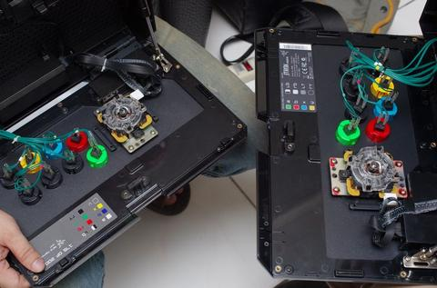 挑戰格鬥高手需求的高彈性設計大搖, Razer Atrox 動手玩