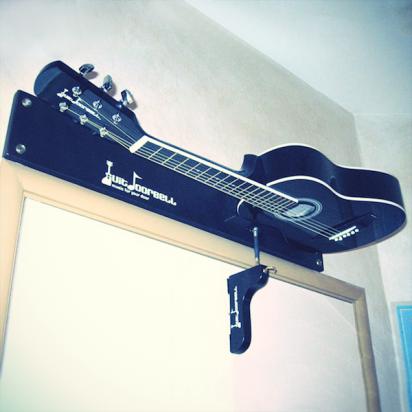 爽快一刷!吉他人家中必備的吉他門鈴