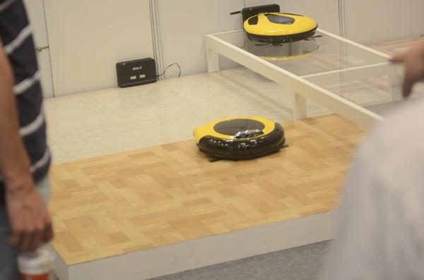 Computex 2013:AGAiT易管家有眼睛的掃地機器人