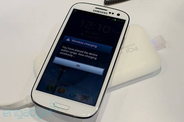 PQI i-Power Wireless 5000 動手玩,具備無線充電的行動電源