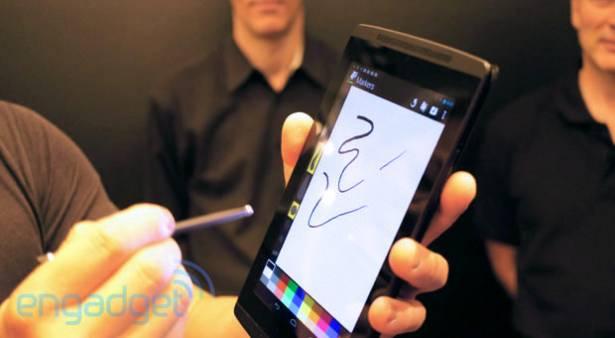 NVIDIA CEO 演示全新手寫筆觸控屏技術,利用 Tegra 4 圖形處理來降低電量消耗
