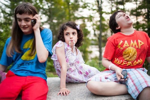 攝影師展示不為大眾所知的 LGBT 青少年夏令營