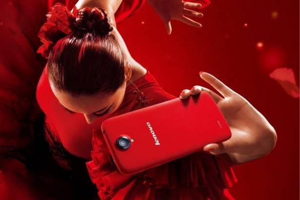 Lenovo S820 加入女性手機陣營,具備 720p 螢幕、雙卡雙待