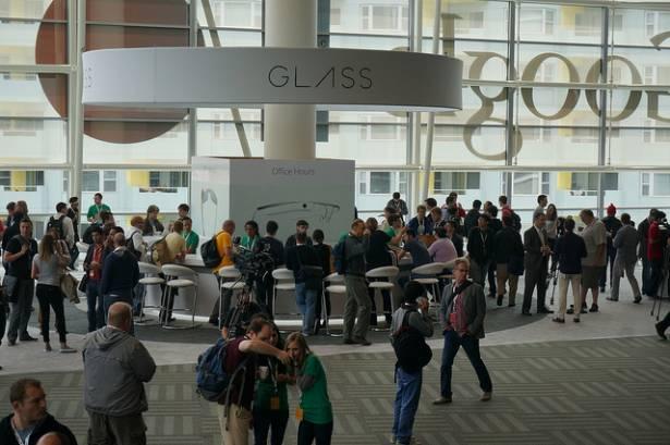 Google Glass開發者的告白:「戴在臉上的電腦讓我感覺活在未來!」