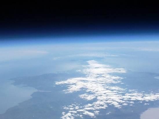 Raspberry Pi 相機模組乘著探空氣球,一覽地球景致