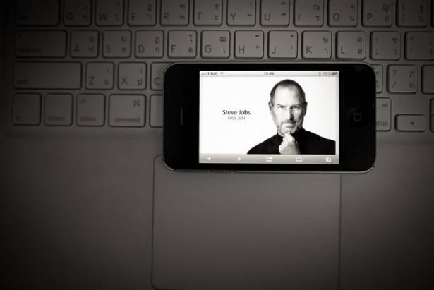 蘋果談判Email大公開 看賈伯斯如何在「五天內說服News Corp.」!
