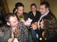 Oops!在電梯裡遇到高層主管…教你化解尷尬的三個妙招!