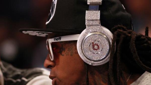 蘋果將以 32 億美元收購 Beats?