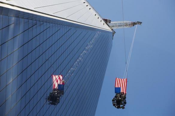 旋天看重生後的紐約世貿中心(WTC),難得視角的封頂完工影片