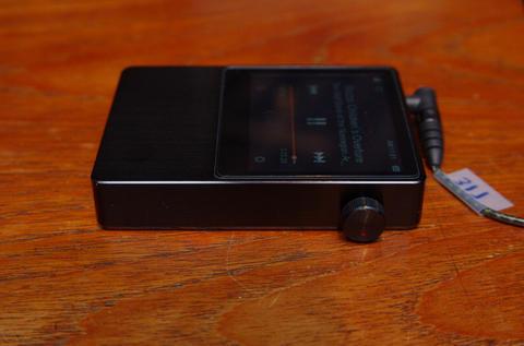 隨身帶著走的原音重現,Sennheiser MOMENTUM 耳機與 iRiver AK100 播放器在台發表