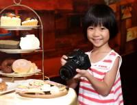 Canon 在台發表最小尺寸 APS-C 單眼 100D ,套裝售價兩萬五台幣