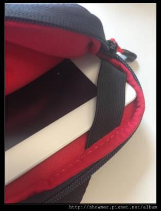 防潑防摔帶著 iPad 趴趴造 Targus CRAVE II SLIPCASE 手提包