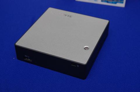 Gigabyte 2013 NEW IDEA 新品發表展出豐富的蒼藍產品線