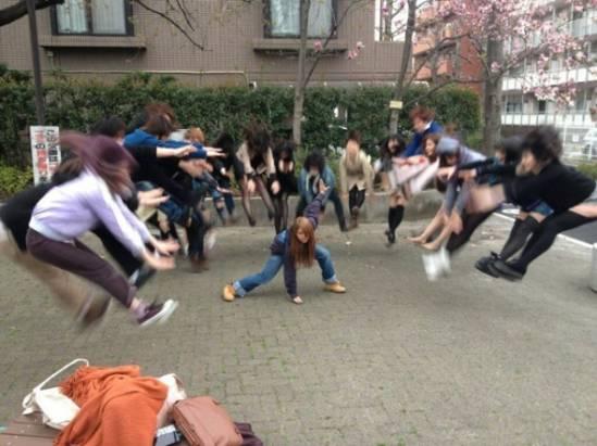 七龍珠龜派氣功爆發,日女高中生強大飄浮照片