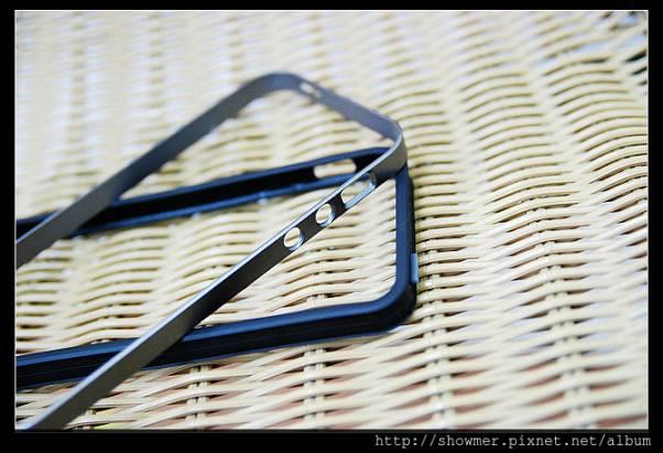 Spigen SGP Neo Hybrid EX 雙層的 iphone5 保護邊框???