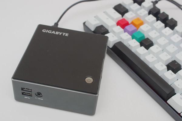 適合小空間且具一定硬體選擇彈性的小型準系統,技嘉 BRIX 動手玩