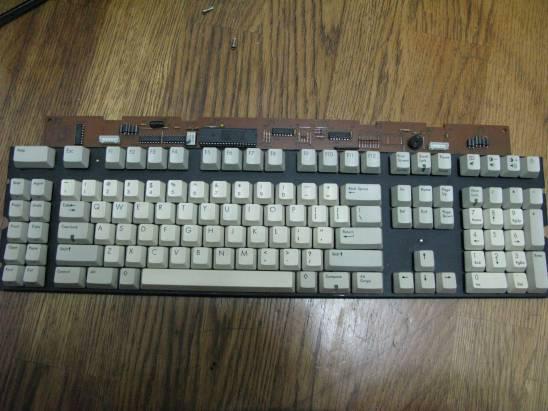 一張應該是副廠的SUN鍵盤